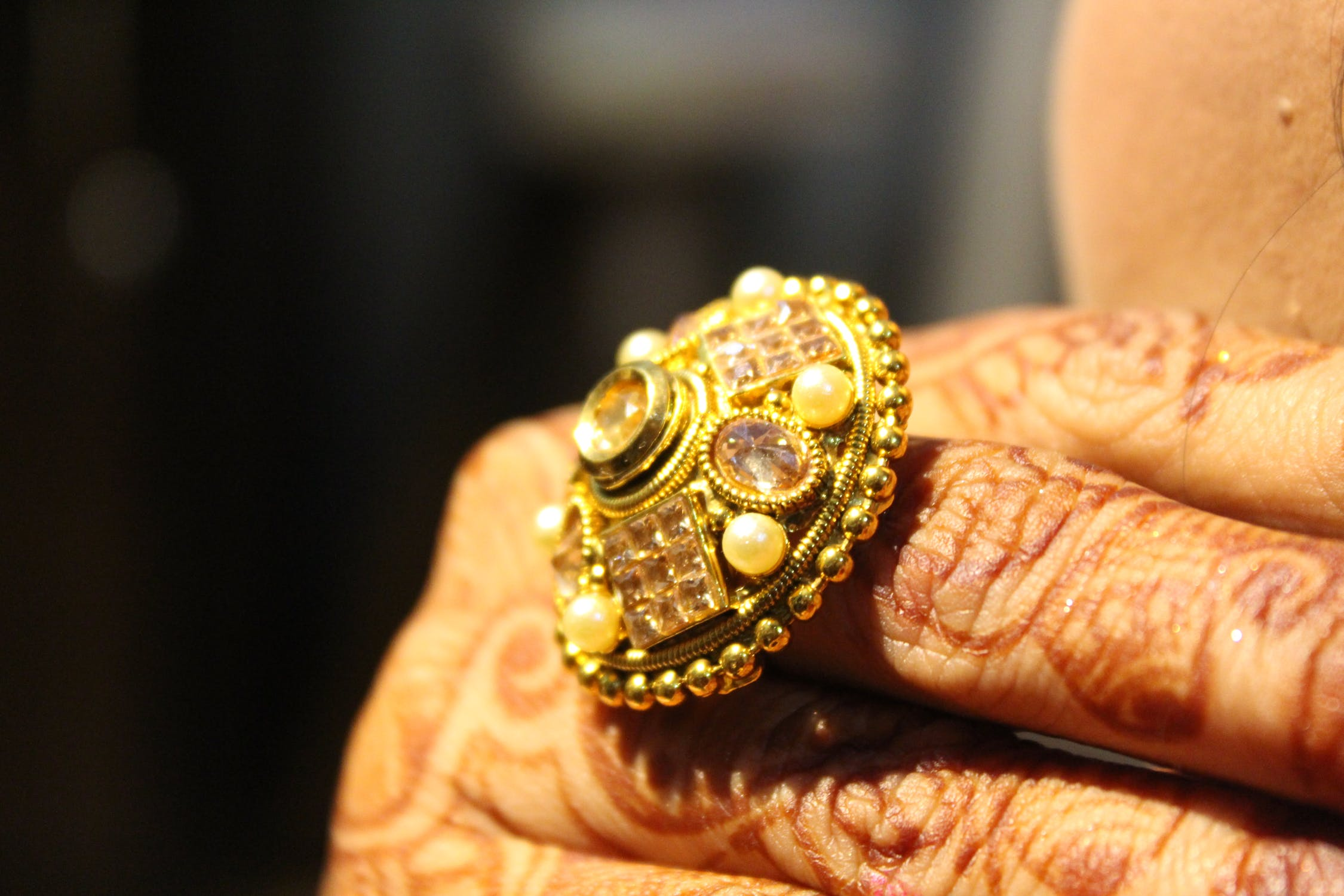 Ring worth $550K stolen while on holiday - insurer forced to